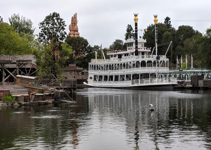 Disneyland Early Morning Entrance Photos Disney for Adults